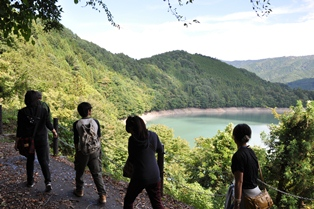 井川报废的铁路行走1.JPG