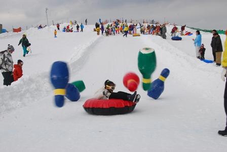 雪上ボウリング.JPG