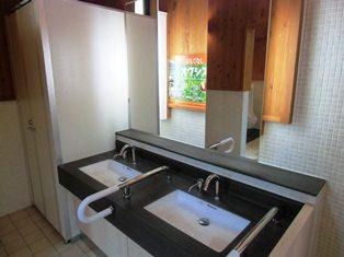 H25大河里面的洗手间完成3-1.jpg