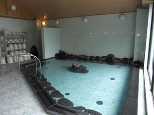 01-004-04白桦树市内浴池。JPG
