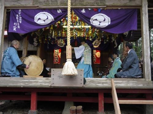 梅ケ島の舞(梅ケ島初午祭)
