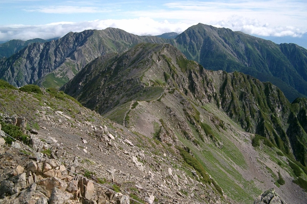 南アルプスの主な山「荒川三山(東岳、中岳、前岳)」